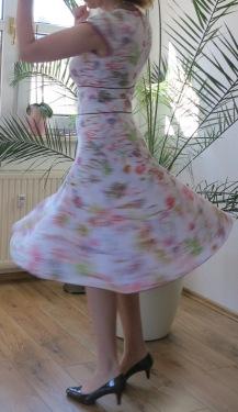 Kleid Vogue V8685